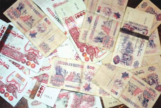 Le dinar en dépréciation face au dollar  …