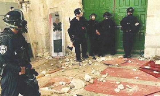 L'armée d'Israël saccage sauvagement la mosquée Al Aqsa