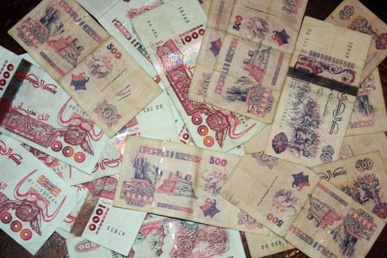 Près de 2 milliards en faux billets saisis à Tlemcen