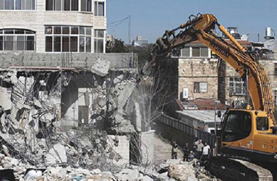 Israël détruit les maisons  des palestiniens martyrs