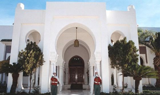Changements au DRS: Bouteflika s'explique
