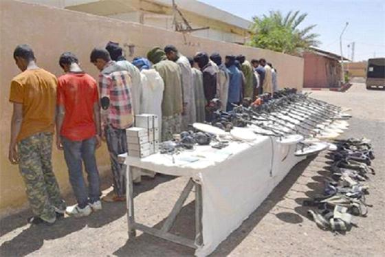 Arrestation de 27 contrebandiers et de 21 immigrants clandestins
