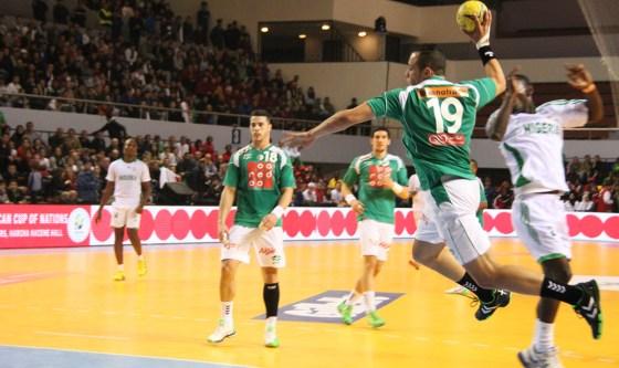 L'Algérie gagne et va en demi-finales