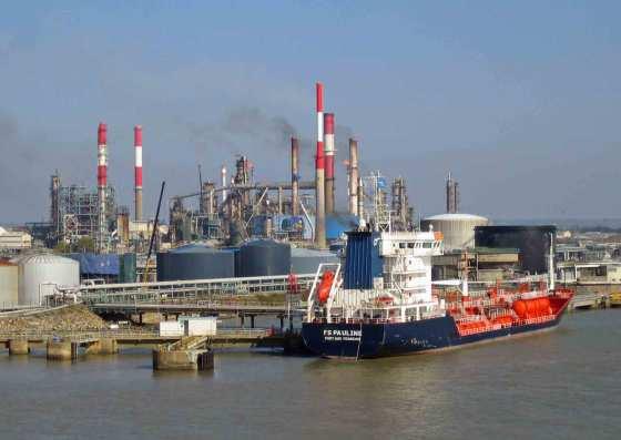 L'Algérie importe pour 1,8 milliard de dollars de produits pétroliers