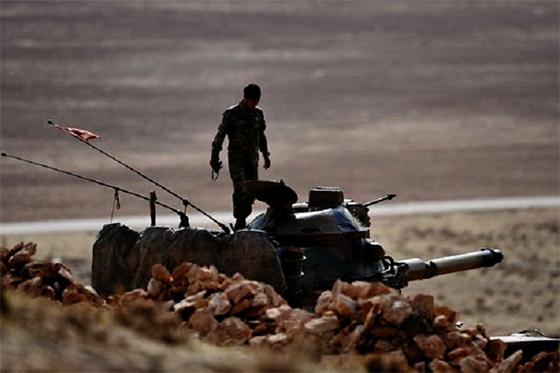Syrie : L'armée gouvernementale près de la frontière turque