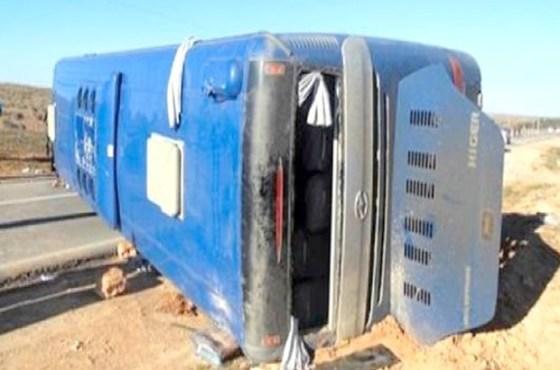 Un bus se renverse près de Slim (M'sila), 11 voyageurs blessés