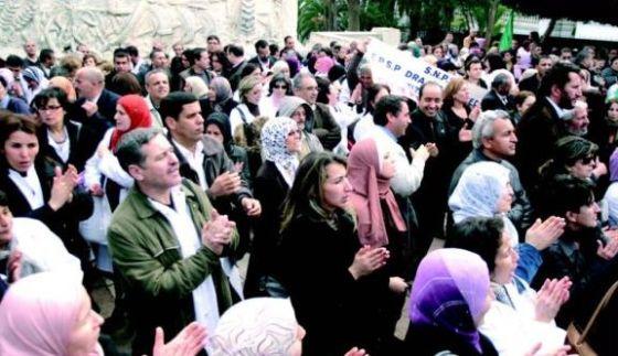 Le CLA «solidaire» aves les enseignants contractuels