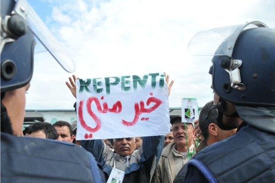 """Lutte antiterroriste: les rappelés du service national """"bientôt indémnisés"""""""