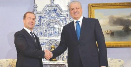 Alger et Moscou signent  cinq accords de coopération