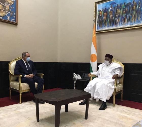Boukadoum à Niamey : la sécurité régionale au cœur de la visite