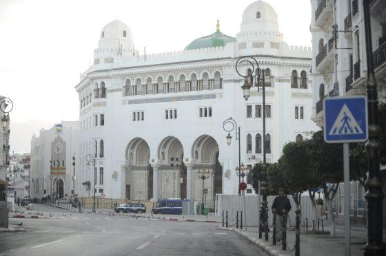 Prolongement du confinement pour8 wilayas