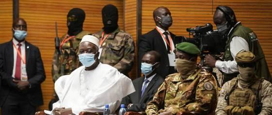 Mali: la Cédéao lève ses sanctions pour soutenir la transition civile