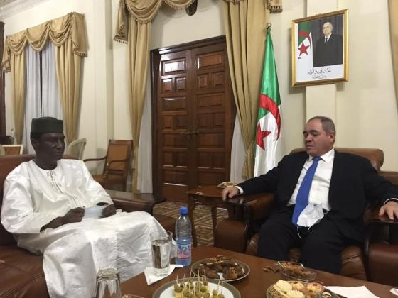 Boukadoum s'entretient à Bamako avec des leaders du CMA et de la plateforme