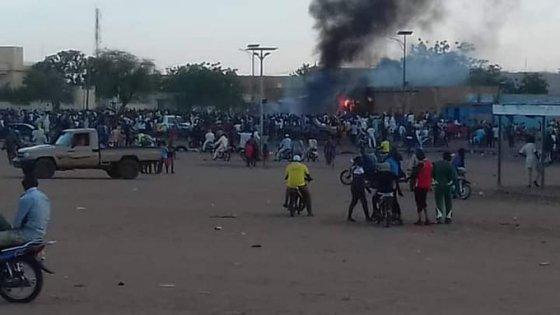 Explosion d'un dépôt de carburant prés du consulat d'Algérie à Gao