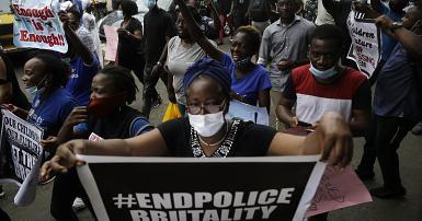 Nigeria: comptes bancaires de manifestants anti-police gelés