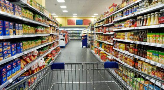 Reconfinement : les Algériens stockent les produits alimentaires