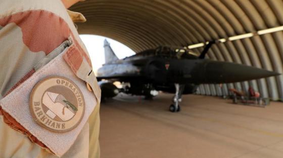 Mali: une vingtaine de villageois tuée dans une frappe aérienne  
