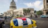 Artistes et universitaires cubains appellent Biden à lever l'embargo 