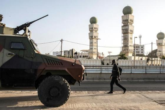 Des blindés de l'armée pour protéger Dakar 