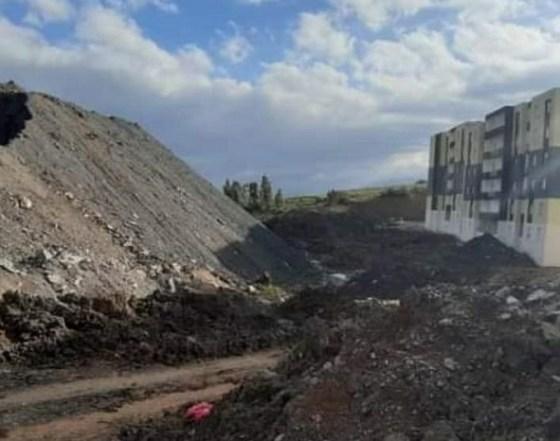 AADL 2 Bouinan : Les sites 2600 et 1000 inhabitables en raison d'un mont de déblais