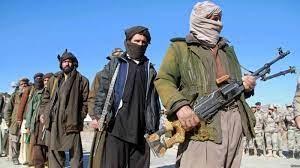 Les talibans s'emparent de trois capitales provinciales en une journée