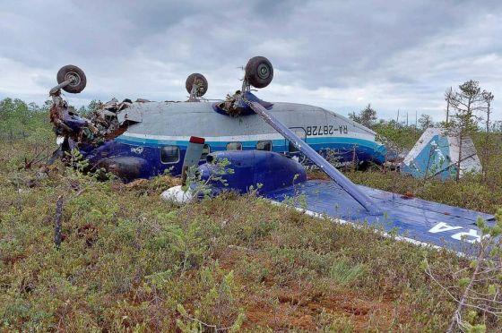 Les passagers d'un avion accidenté retrouvés vivants en Sibérie
