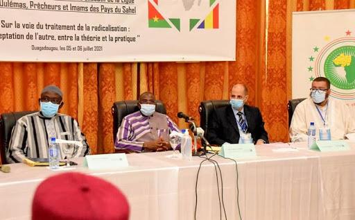 """Les Oulémas du Sahel: """"la priorité à la lutte contre l'extrémisme"""""""