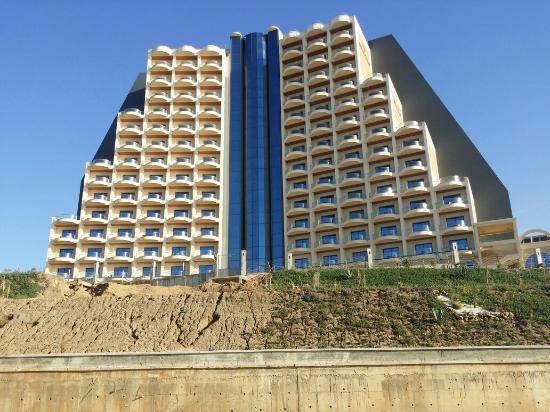 Des hôtels à Constantine et Skikda exigent le pass sanitaire