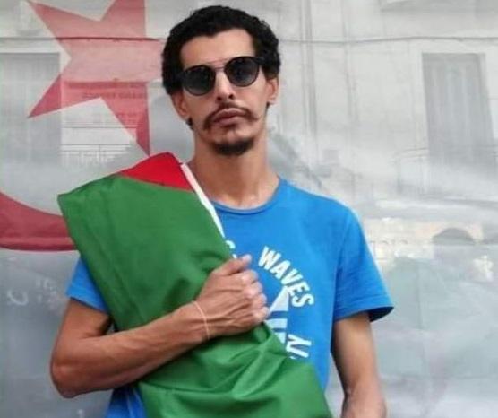 Un artiste accusé à tort d'être un incendiaire  lynché par la foule