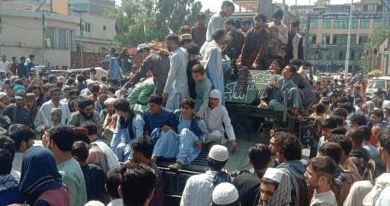 20 ans après, les talibans reprennent le pouvoir en Afghanistan