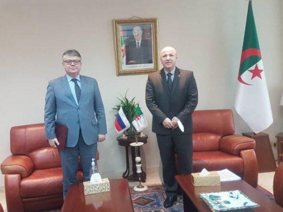 L'ambassade de Russie commence à délivrer les visas aux étudiants Algériens