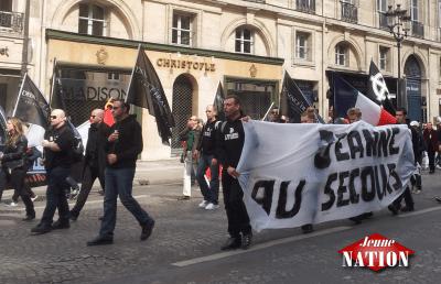 Des membres de La Dissidence française.