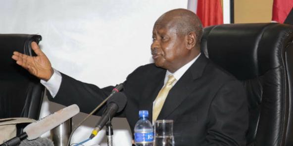 https://i0.wp.com/www.jeuneafrique.com/medias/2015/07/15/MuseveniBurundi-592x296-1450870896.jpg