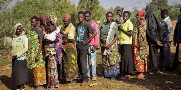 https://i0.wp.com/www.jeuneafrique.com/medias/2015/07/21/vote-burundi-592x296.jpg