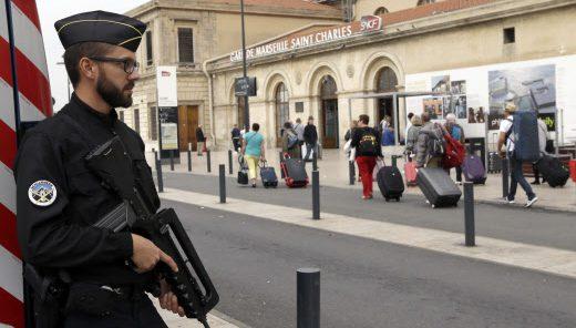Marseille : l'assaillant qui a tué deux jeunes femmes âgées de 20 ans détenait un passeport tunisien