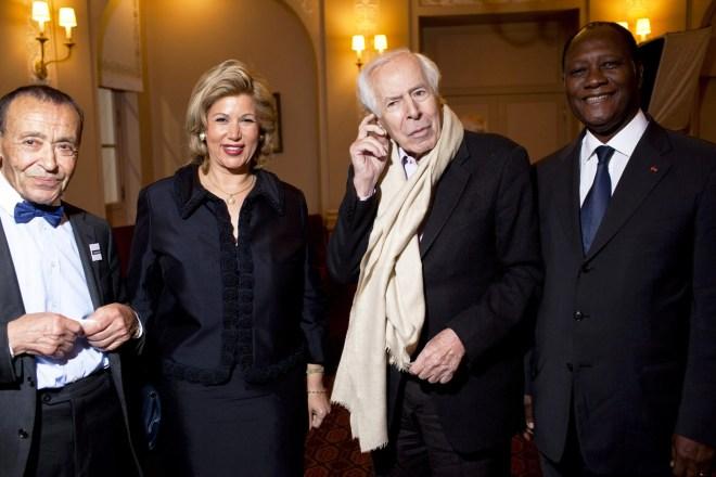 BBY, Jean Daniel, Dominique et Alassane Ouattara à la soirée de lancement de La Revue, le 6 mai 2010, à Paris.