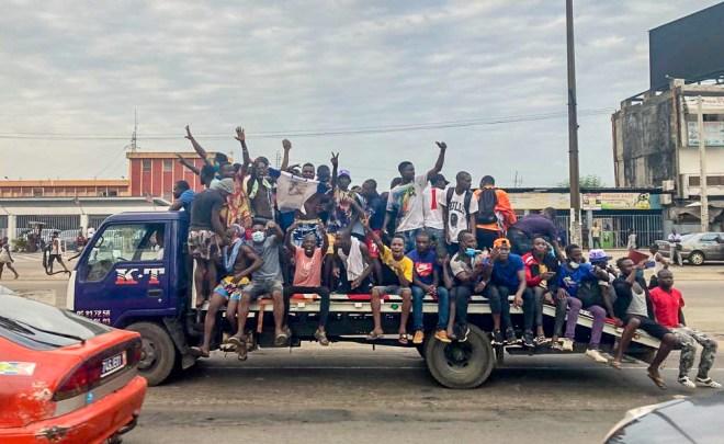 Sur le boulevard VGE, à Abidjan, des milliers de partisans de Laurent Gbagbo se sont rassemblés, ce 17 juin 2021, pour le retour de l'ancien président ivoirien.