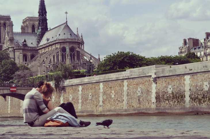 love-couple-amoureux-paris