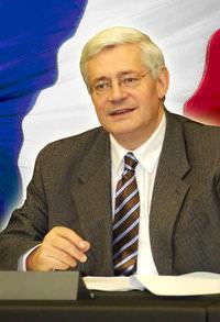 Bruno Gollnisch drapeau français
