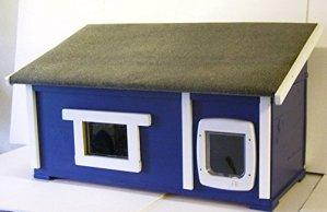 Maison pour chat Outdoor avec fenêtre et Chatière Fond Isolé