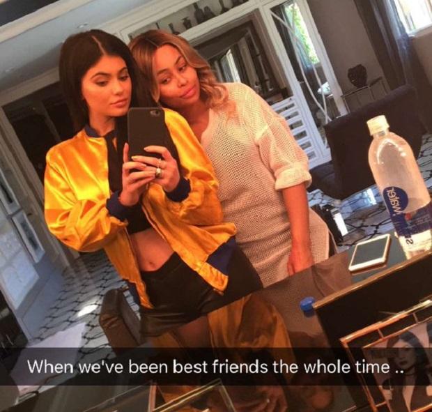 kylie-jenner-blac-chyna-selfie-jewanda