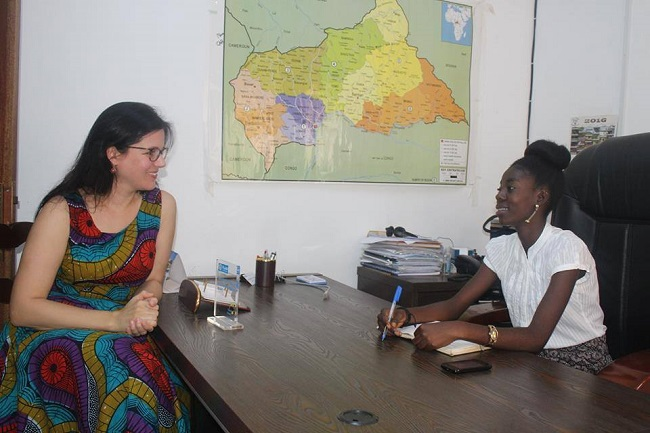 jeune-centrafricaine-prend-directionbureau-plan-international-centrafrique-jewanda-2