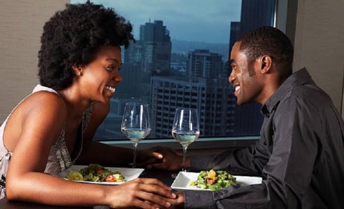 Amour et relations : 5 choses anodines que les couples heureux font au quotidien