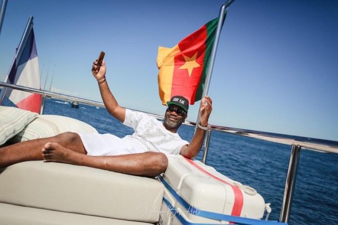 Encore un Camerounais qui fait rayonner l'étendard du 237 à l'étranger. Businessman accompli basé en France, découvrez Mc Calvin Tjega, l'homme à la tête de Luxury Plane, compagnie de jet privé.
