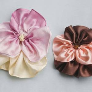 Create flowers with ribbon fabric using the Pansy Tutorial