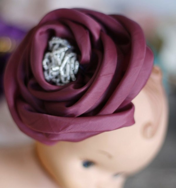 How to make easy fabric flowers using the Sinta Rose Tutorial