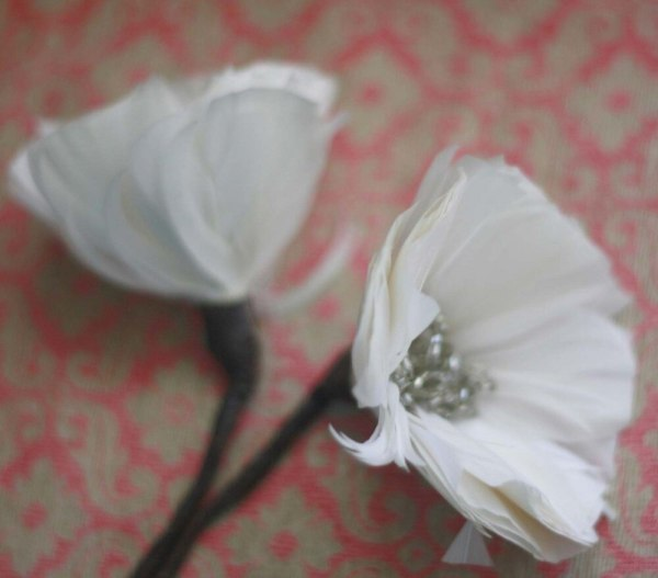 Two feather poppy flowers | A tutorial on how to make feather flowers