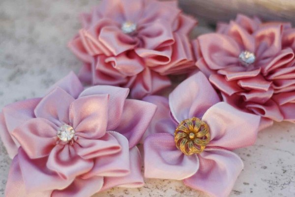 Different styles of the Sweet Blossom Fabric Ribbon Flowers