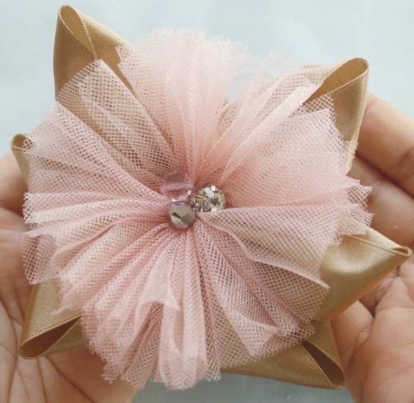 How to make a tulle flower hair bow