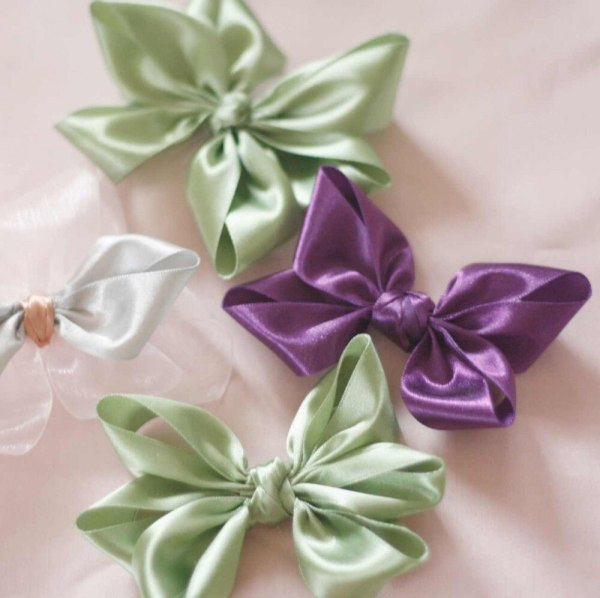 pointed hair bows from the lucia bows tutorial